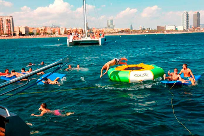 barcelona boat party2 - Barcelona boat party, divertidas fiestas en barco