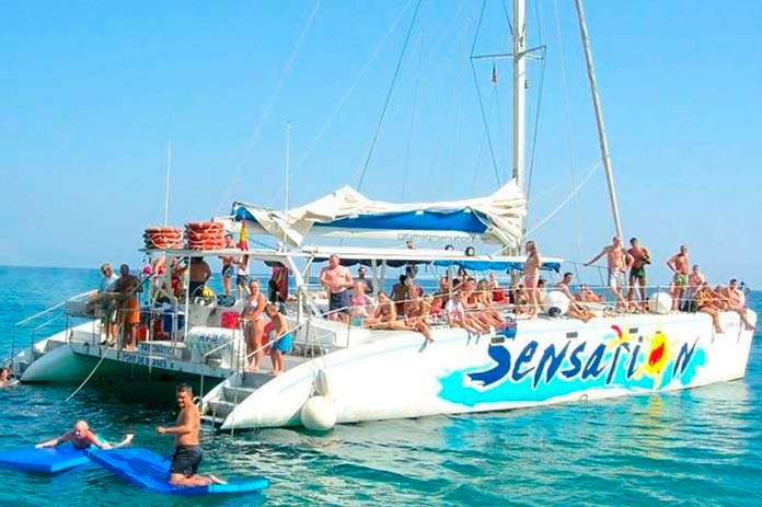 barcelona boat party4 - Barcelona boat party, divertidas fiestas en barco